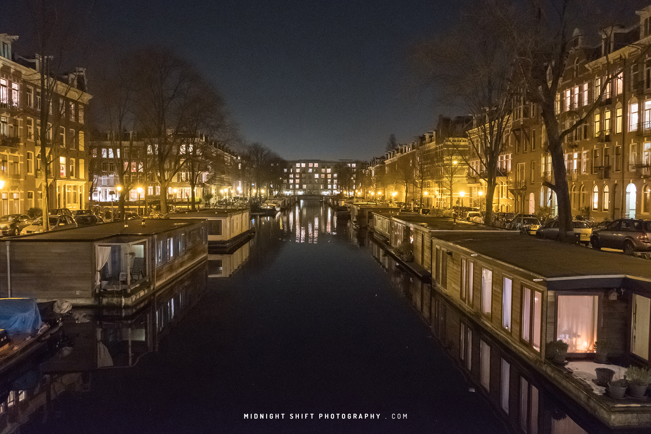 amsterdam-canal-houseboats.jpg